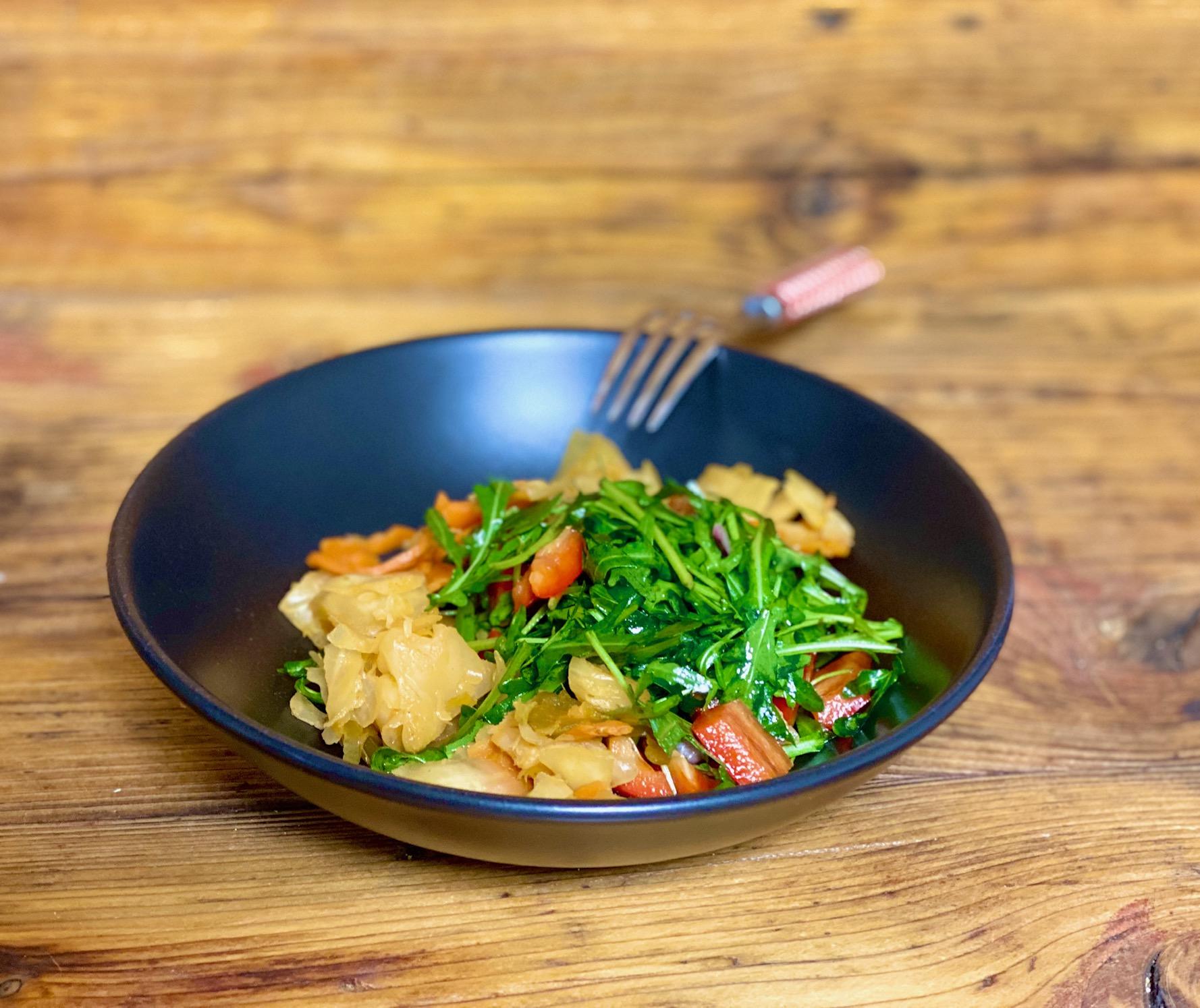 Salat Rucola und Kimchi